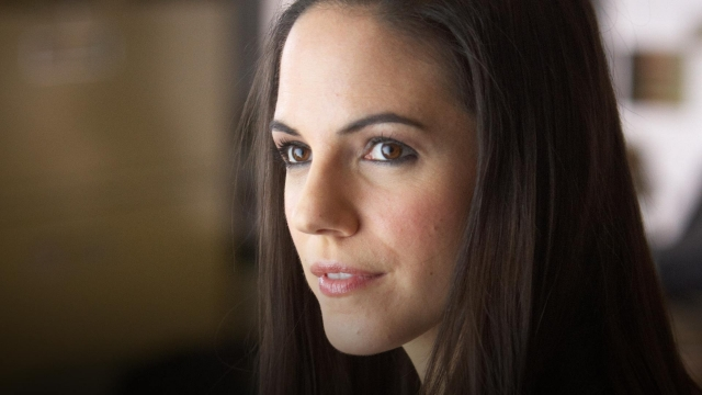 Lost Girl Anna Silk - hottie!